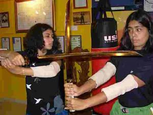 Mumbai Weapons Kendo Nunchaku Knife Fencing Sword Fighting